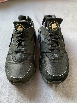 Nike Air Huarache schwarz