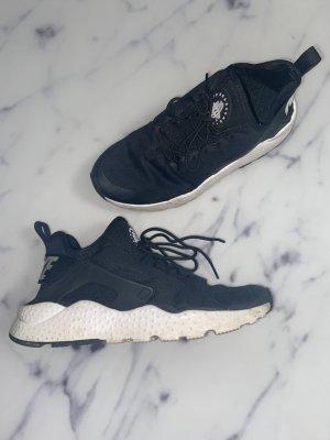 Nike Air Huarache Schwarz Weiß Sneaker Turnschuhe Gr. 39