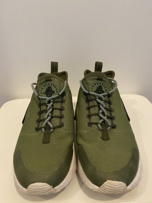 Nike Air Hurache in Khaki