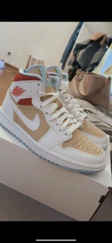Nike Air Jordan 1 high 37,5