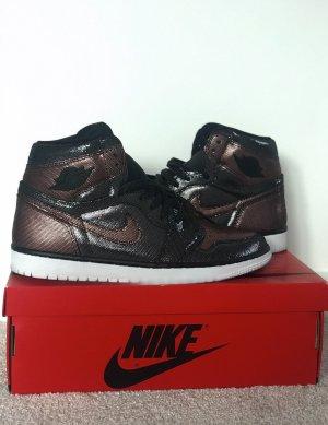 Nike Air Jordan 1 High Retro Fearless