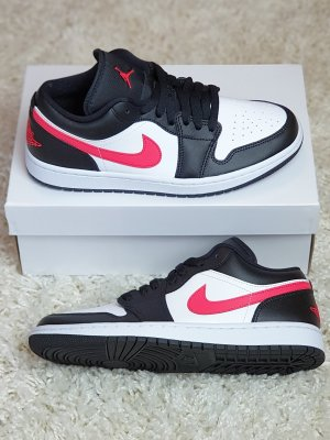 "Nike Air Jordan 1 Low WMNS ""Siren Red"" / EU 40,5"