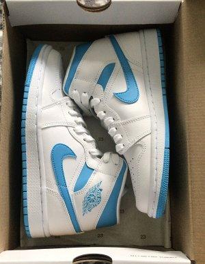 Air Jordan Basket à lacet blanc-bleu fluo