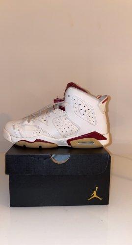 Air Jordan High Top Sneaker white-bordeaux