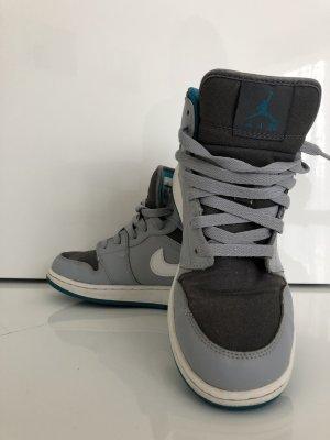 Nike Air Jordan I Retro