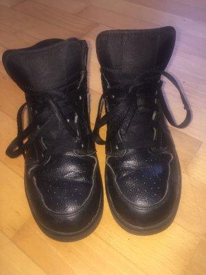 Air Jordan High top sneaker zwart