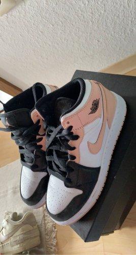 Nike Air Jordans rosa Gr 38