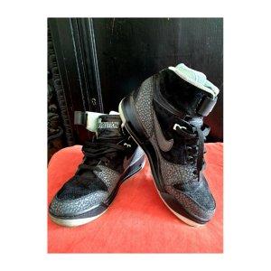 Nike Air Loverution revolution 2013 Eu 40