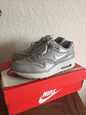 Nike Air Max 1 Cut Out Silber 36