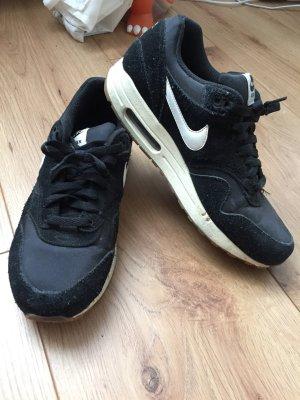 Nike Air Max 1, Schwarz-weiß, 42