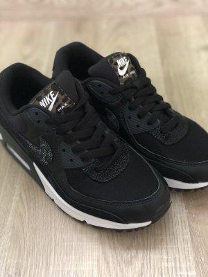 Nike Air Max 90 Gr. 40 schwarz Leo ausverkauft