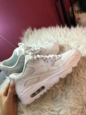 Nike Lace-Up Sneaker white