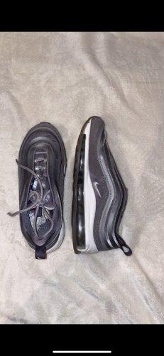Nike Zapatilla brogue color plata-gris