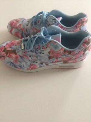 Nike Air Max Blumen weiß rosa hellblau