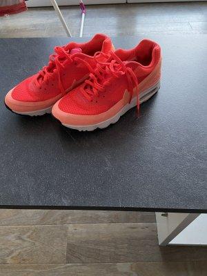 Nike Sneaker stringata rosso chiaro-arancio neon