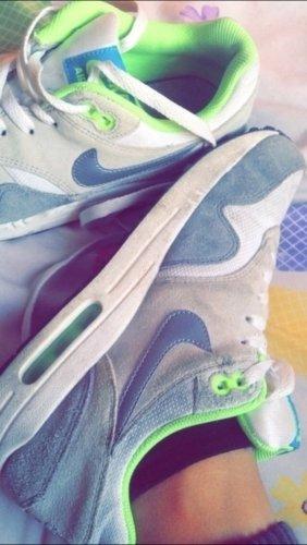 Nike air max grau weis