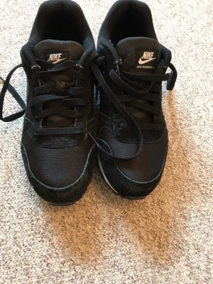 Nike Air Max, Nike MD Runner 2