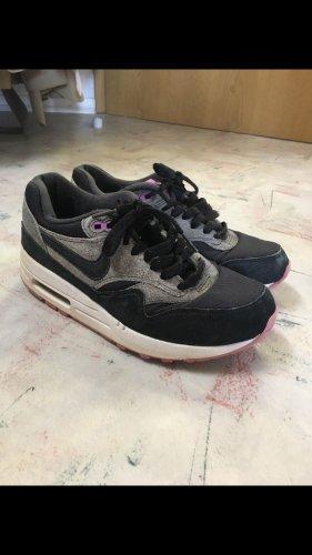 Nike Air Max schwarz pink 37,5