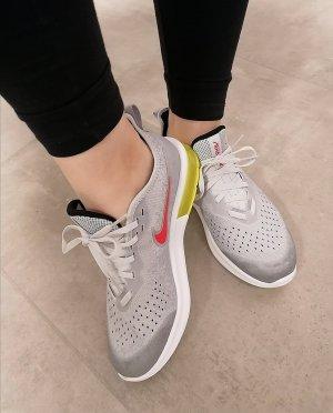 Nike Air Max Sneaker grau neu 40