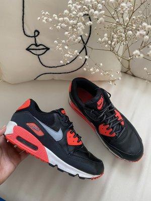 Nike Heel Sneakers black-red