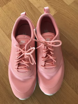 Nike Air Max Thea in rosa