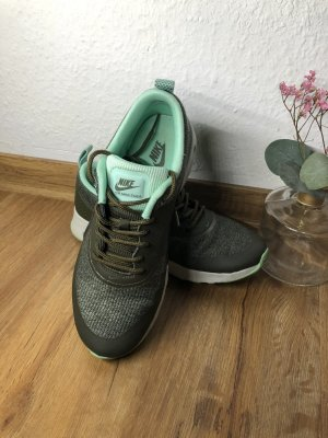 Nike Air Max Thea Textil grün