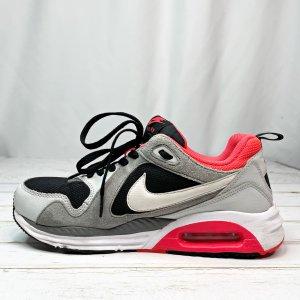 Nike Air Max Trax Sneaker Gr. 40 korall grau Sportschuhe Laufschuhe Training