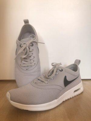 Nike Air Max Ultra in grau
