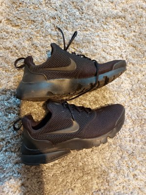Nike Slip-on Sneakers black