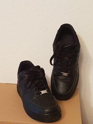 Nike Air schwarz Gr 40