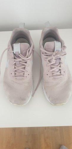 Nike Air Sneaker in rosa