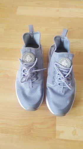 Nike Air Sportschuh in grau, Größe 40