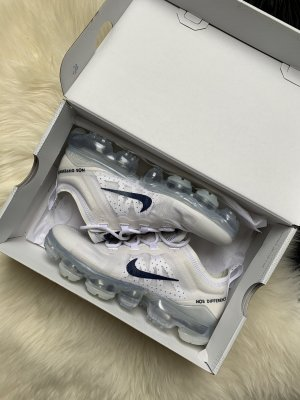 Nike Air Vapormax 2019 White/Midnight Navy Gr. 36,5