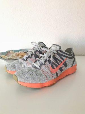 Nike Air Zoom Fit 2 Sportschuhe