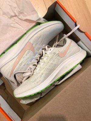 Nike Air Zoom PEG Laufschuhe Größe 40