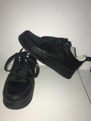 Nike Sznurowane buty czarny