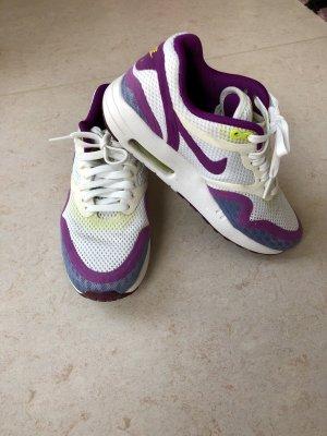 Nike AirMax in der Große 37,5