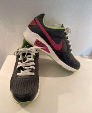 Nike airmax in Gr 38,5 tolle Qualität und bequem wie Neu