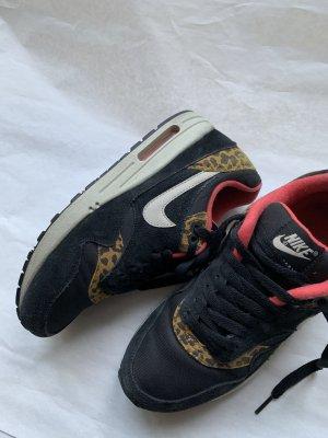 Nike AM 1