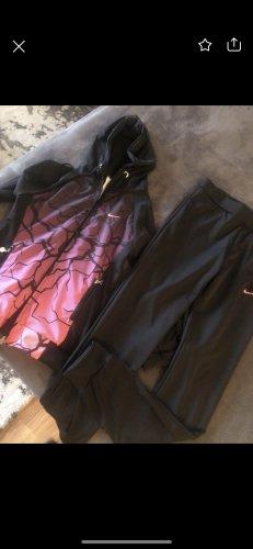 Nike Garnitur damski czarny-różowy neonowy