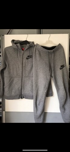 Nike Tenue pour la maison argenté-gris