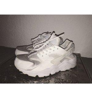 Nike Aor Huarache in komplett Weiß