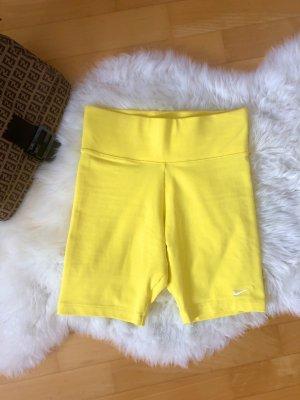 Nike ASOS Radler hose Radler Shorts gelb Blogger Trend Blazer Look fitness gym Fendi Größe 34 XS