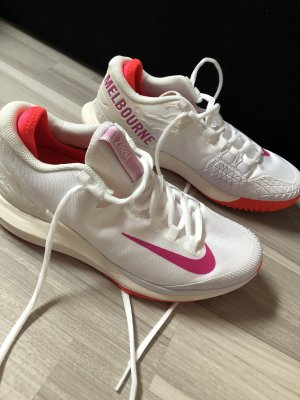 Nike Basket à lacet blanc-rouge fluo