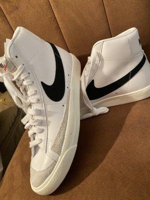 Nike Blazer'77 Damen Neu