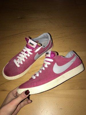 Nike Blazer Damenschuhe