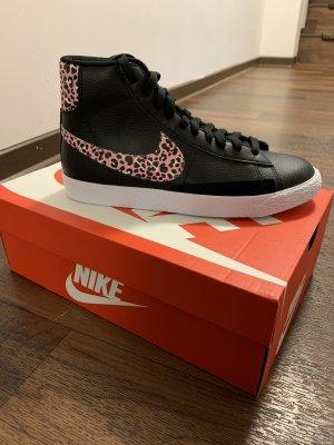 Nike Blazer Mid GS für Damen in Größe 39
