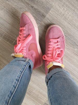 Nike Blazer Turnschuh  in 40 in rosa / pink