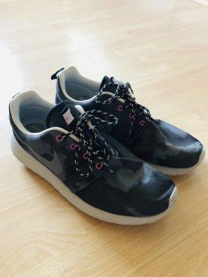 Nike Camouflage Schuhe