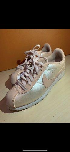 Nike Cortez in rosé metallic